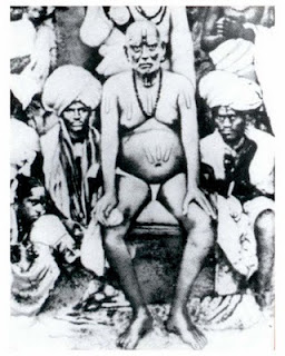 Original photo: Swami Samarth with Cholappa Maharaj and group of devotees (1860)
